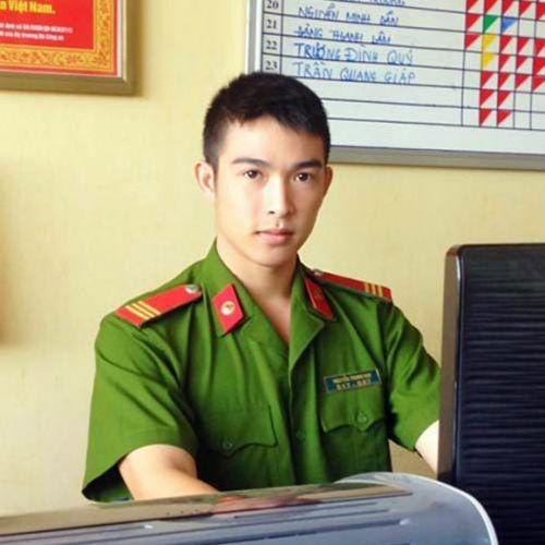 chalhen lyy Profile Picture